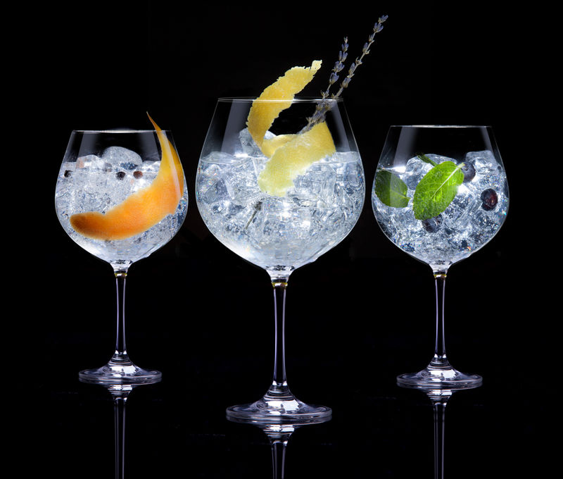 Gin and tonic coctails