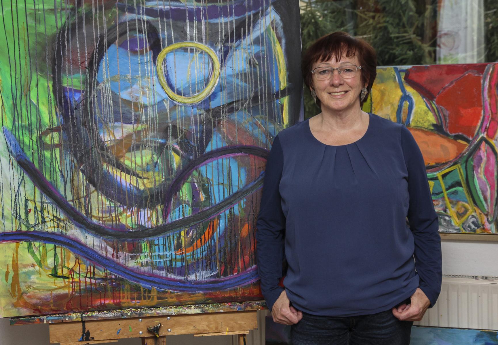 Über die Künstlerin | About the artist