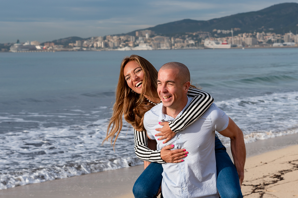 Fun at the beach. Couple Photoshoot at the beach. Palma de Mallorca