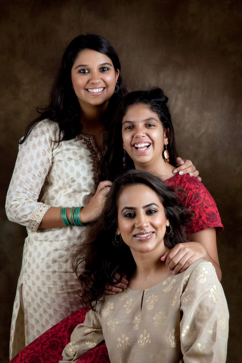 Mrinalini Ghadiok with Tarini and Gayatri Unnikrishnan.