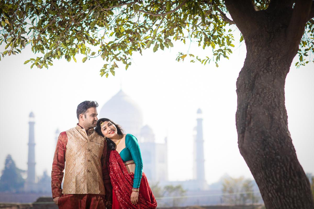 Bhuwan and Neetu - Just behind the Taj Mahal