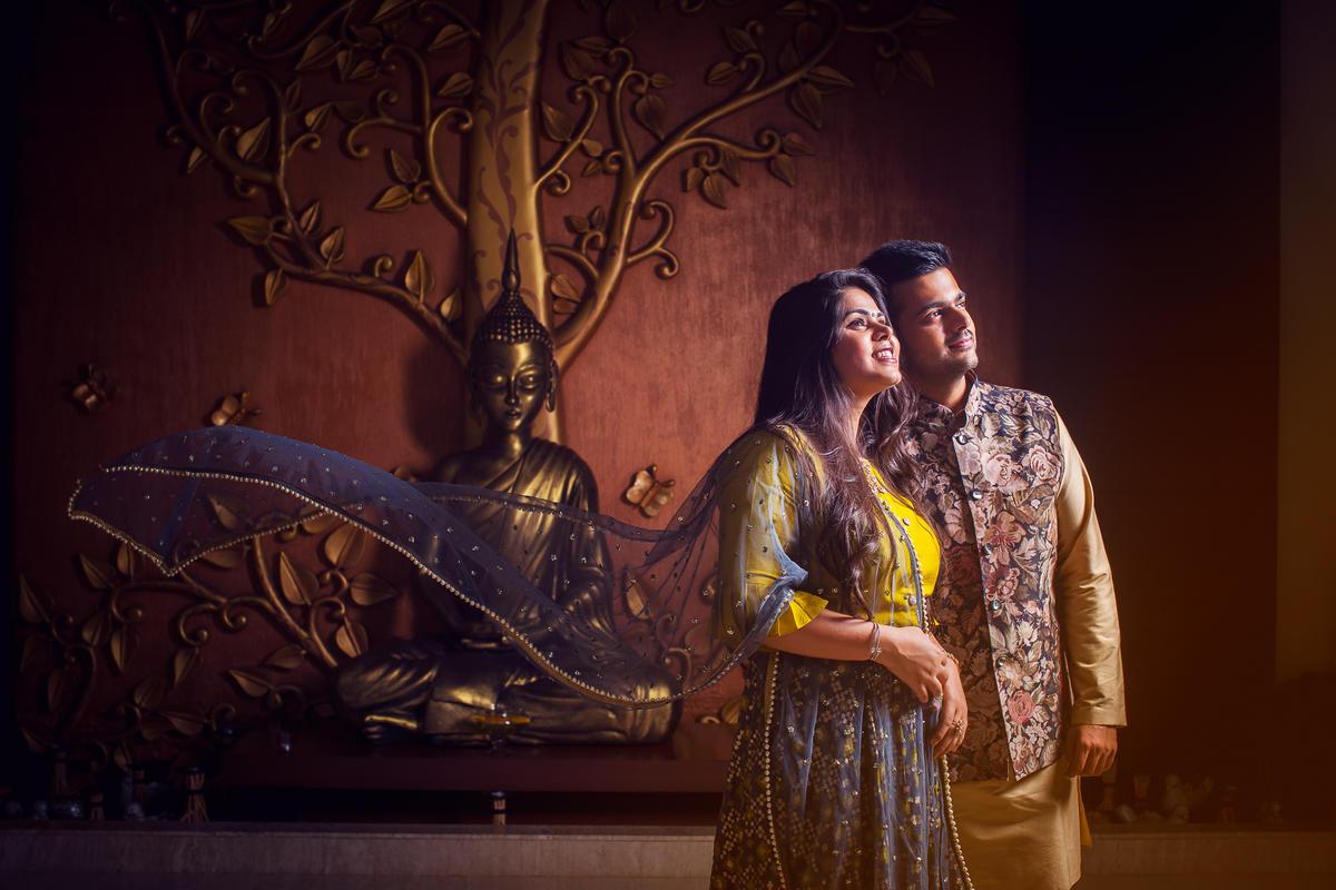 Varun and Pratiksha - A wonderful pre-wedding shoot in Jay Pee Greens Noida