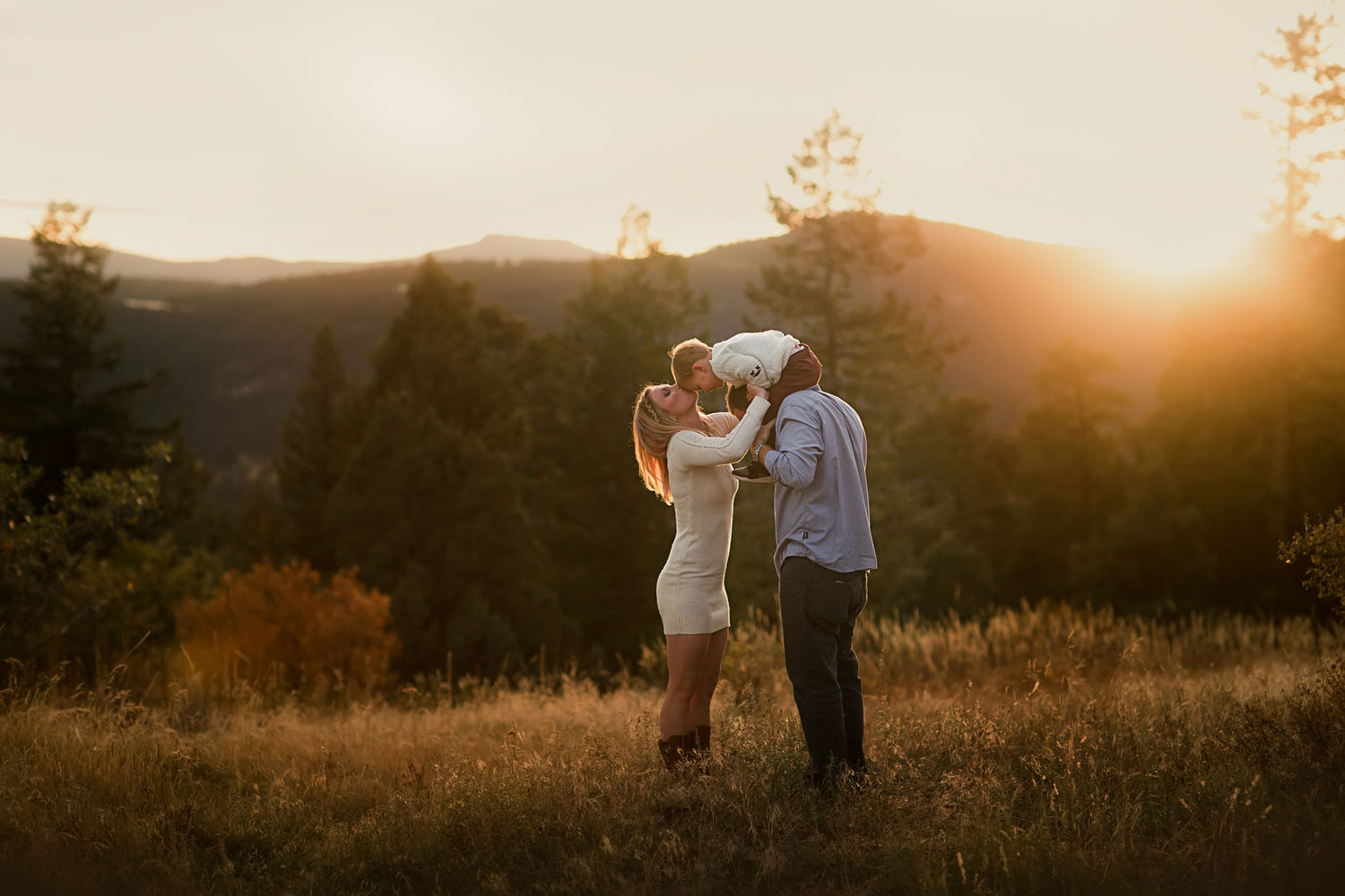 Mountain golden hour family photography