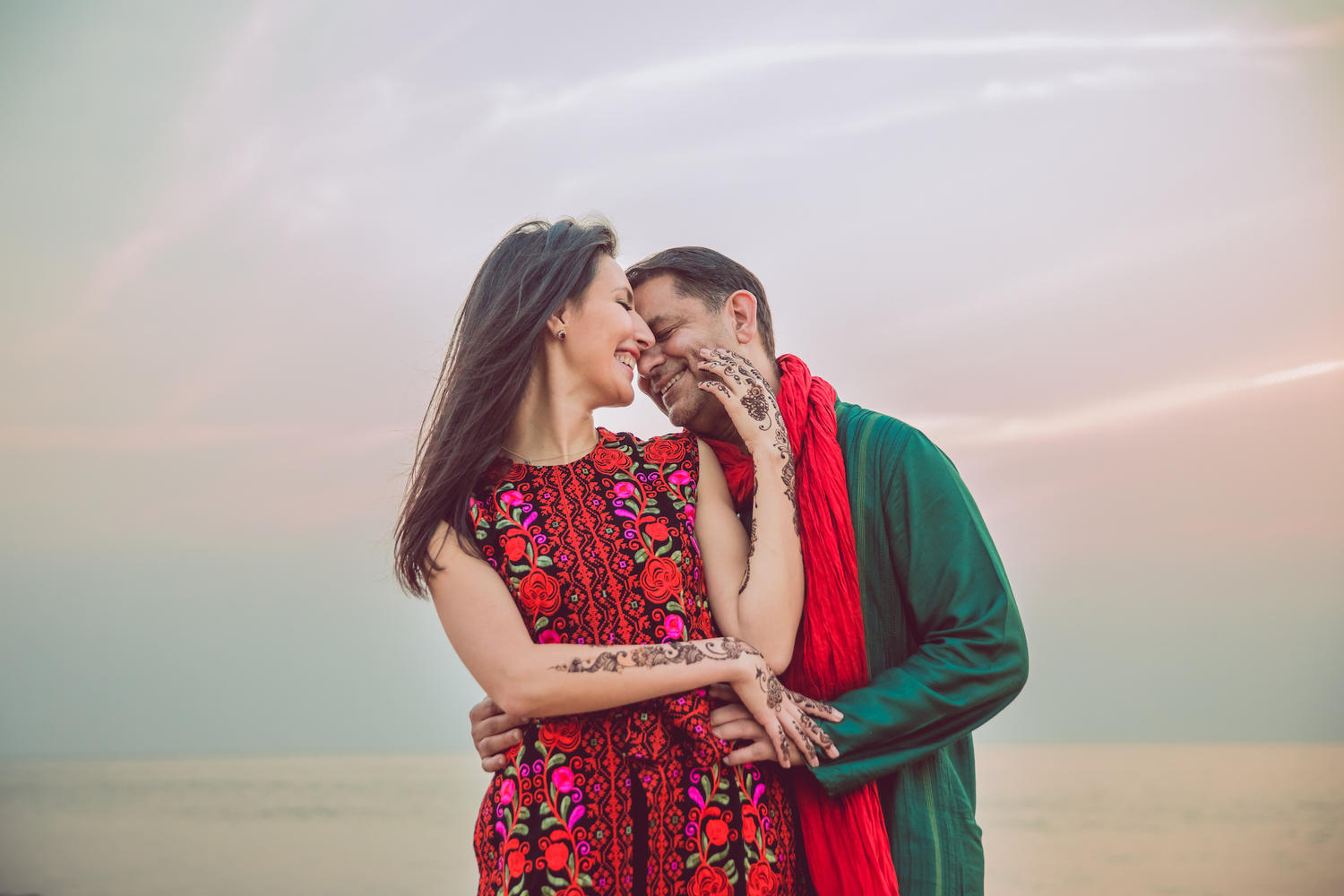 Jordan Muslim destination wedding couple shoot at Juhu beach at sunset