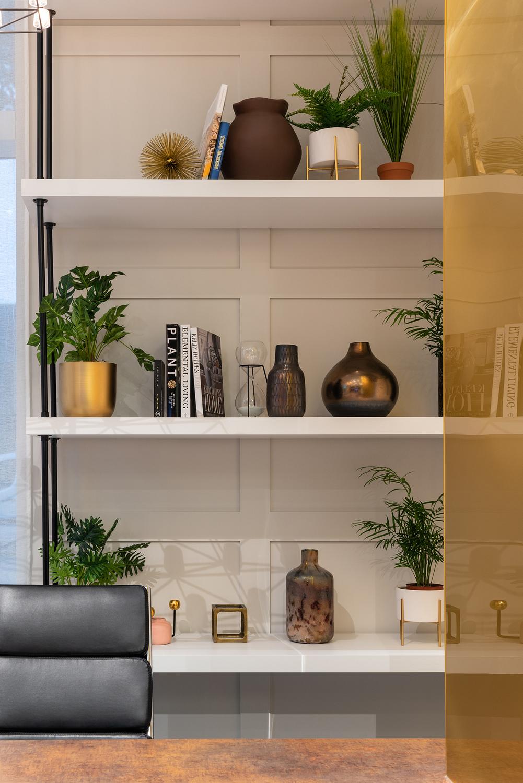 Shelf ornament detail, London