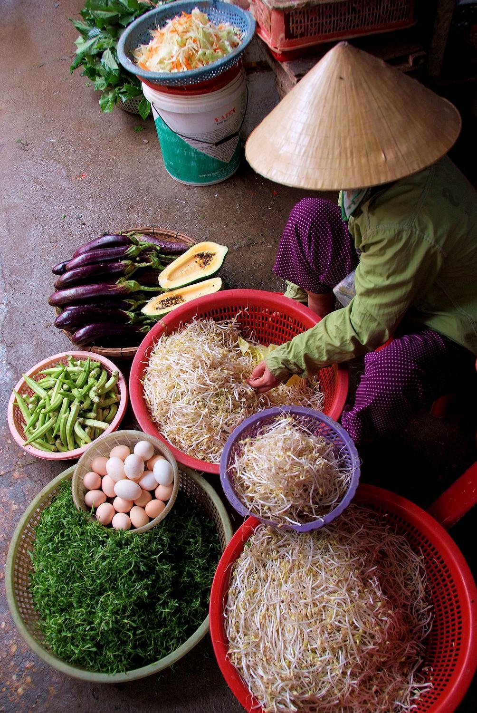 Street Market Vendor in Hoi An