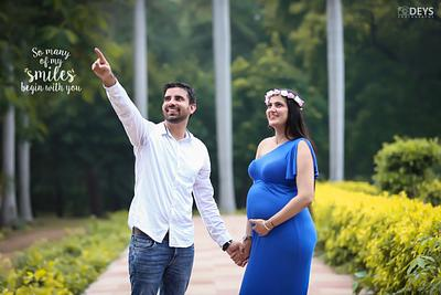 Should husband be in maternity photos?