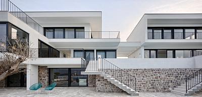 Dual house Sikime