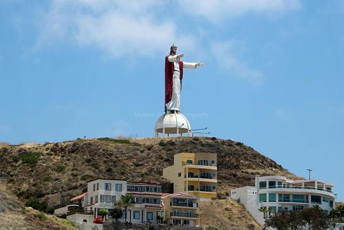 El Cristo, keeping a watchful eye over us