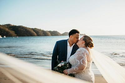 Suzie & Chad, Dreams Las Mareas Costa Rica Wedding