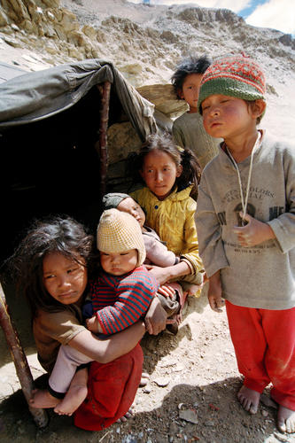 Children belonging to the nomadic Chang-Pa People at Tso-Kar, Ladakh.