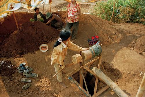 Locals mining for gems and precious stones around Chum Rum Bai Srok, in Bokeo district. Ratanakiri province.