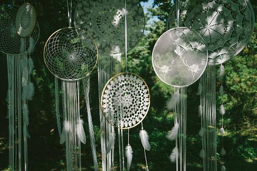Sapņu ķērāji kāzās kā kokā iekārtas dekorācijas