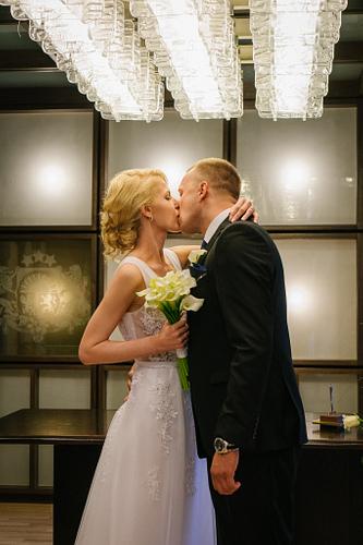 Pirmais skūpsts kāzās Dzimtsarakstu nodaļa Saulkrasti