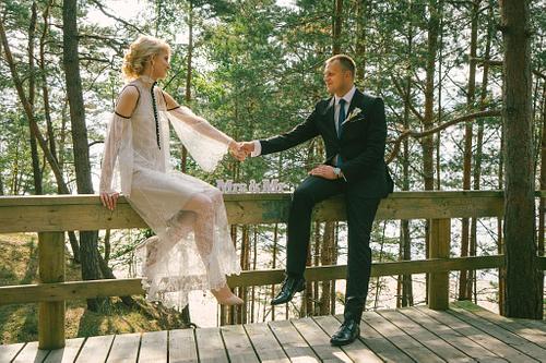Saulkrastu Baltā kāpa kāzu fotosesija līgava līgavainis