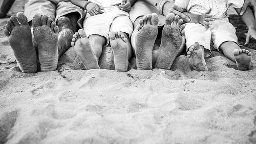 sandy toes at a family beach portrait