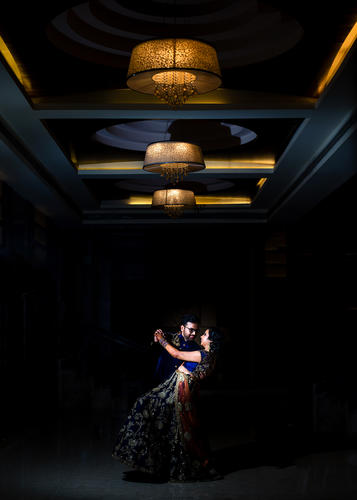 Magmod lit couple shoot at sangeet of New Jersey couple in Western Mumbai