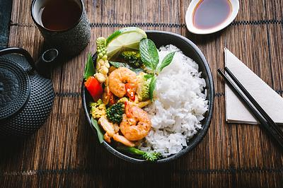 THAI SHRIMP RED CURRY AND RICE