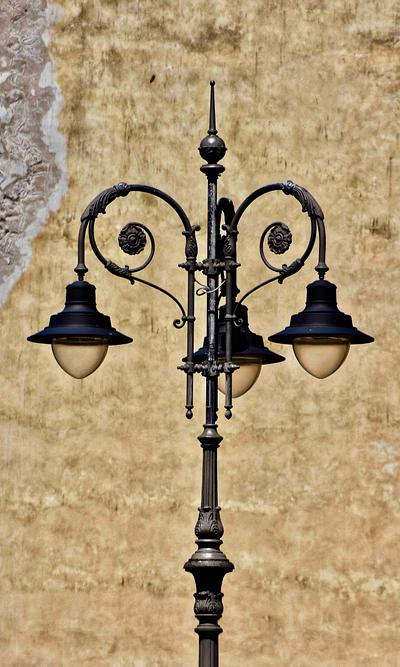 A Streetlamp in Lucca