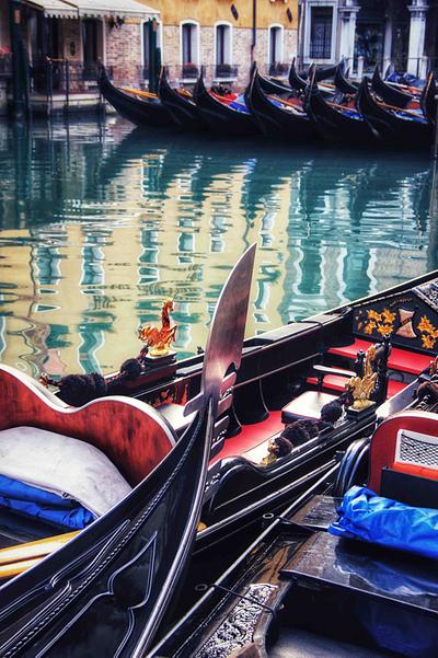 Venice, Gondolas