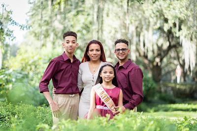 Kenia Family Pictures