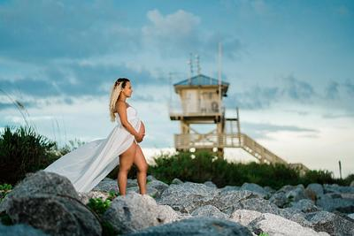 Maternity Photoshoot in Ponce Inlet