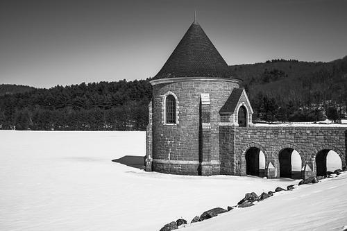 Frozen gatehouse