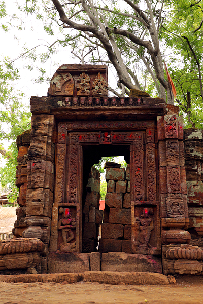 Remains of temple at baba tanginath dham, gumla, jharkhand