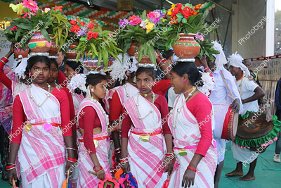 tribal Jharkhand girls getting ready for karma dance in Ranchi