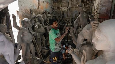 Making of god statue