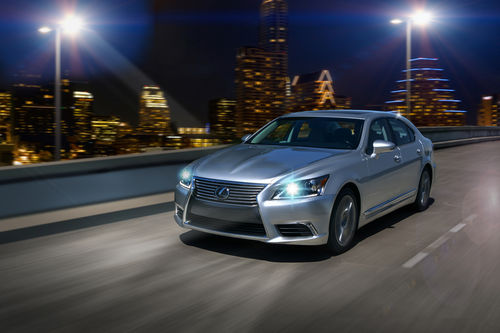 Lexus LS Nightime
