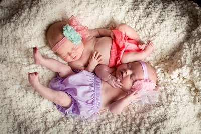 Madelyn & Macey --- A Twin Newborn Session