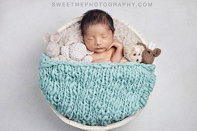What to expect from your newborn session