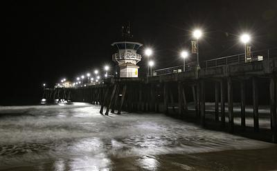 SOUTHSIDE HB PIER PEACEFUL 4 AM_BW