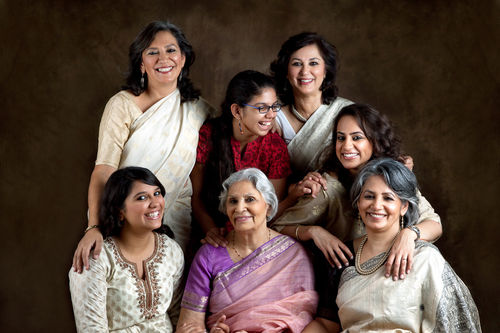 Jyoti Malhotra, with her Mom, Indira Malhotra and sisters, Gayatri Ghadiok and Deepti Nijhawan. And their daughters, Mrinalini, Tarini and Gayatri.