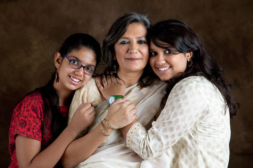 Jyoti Malhotra and her daughters, Tarini and Gayatri.