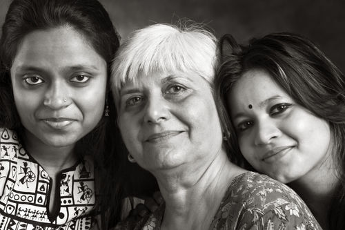 Praveen Langham with her daughters, Rhea Roshni and Tara Tehmina.