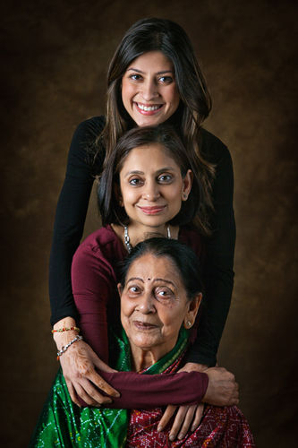 Vandana Prakash, with her daughter, Mallika, and Mom, Shashi Prabha Varma.