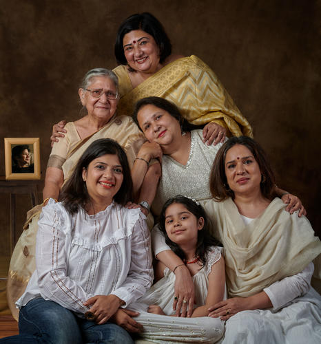 Manjari Chaturvedi, the mystical Sufi Kathak dancer, with her daughter, Naazo Mehra and Mom, Sudha Chaturvedi ... her eldest sister, Amita Chaturvedi and her daughter, Mansi ... 2nd sister, Vinita and third sister, Pallavi Chaturvedi ...