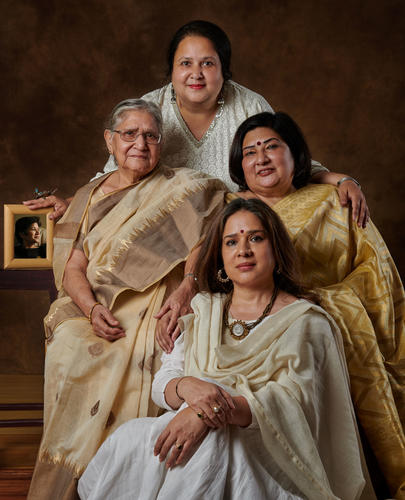 Manjari Chaturvedi, the mystical Sufi Kathak dancer, with her Mom, Sudha Chaturvedi ... her eldest sister, Amita Chaturvedi ... 2nd sister, Vinita and third sister, Pallavi Chaturvedi ...