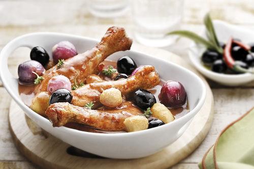 Del Monte Black Olives with Chicken