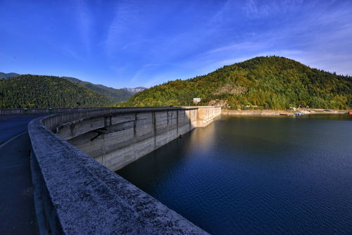 Barajul Bicaz 0001