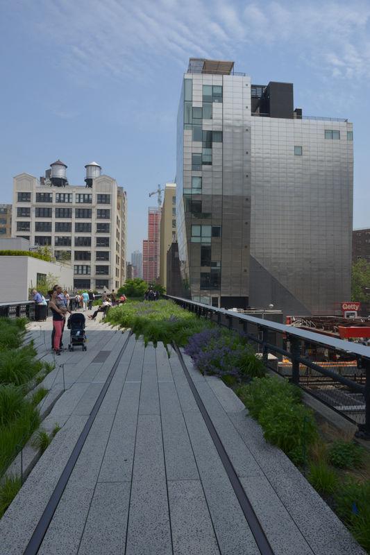 High Line, New York City . urban intervention