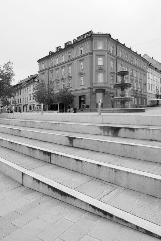 Promenade Breg, Ljubljana . urban intervention
