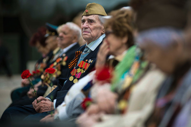 Second World War veteran Alex Litvachuk takes part in ceremony marking Victory Day at Nathan Phillips Square, Toronto, May 5, 2015. Litvachuk fought in the Soviet army and was one of the troops that entered Berlin in May 1945.