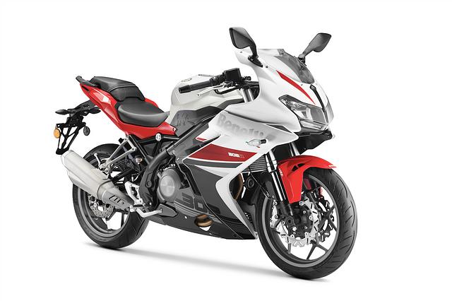 Motorbikes_Benelli