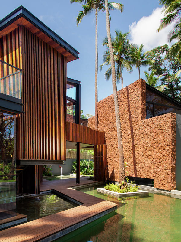 Villa in the palm by Abraham John architects