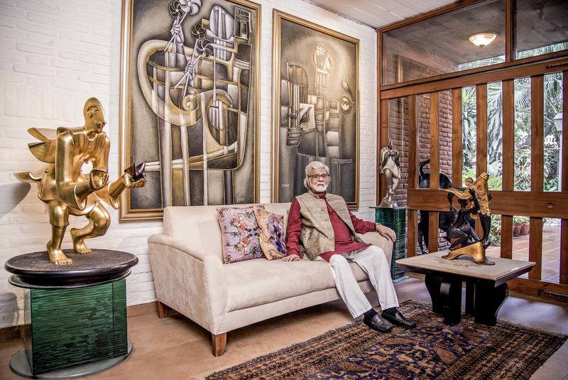Satish Gujral - Hello Magazine
