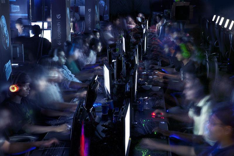 Peer Gaming