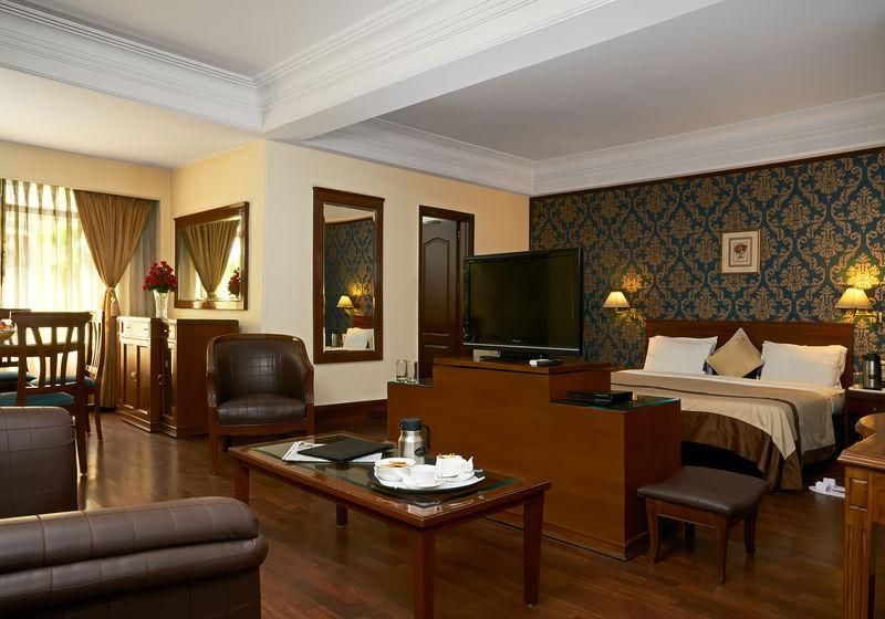 Hotel Qutub Residency